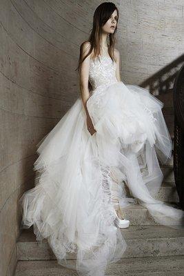embedded_Vera_Wang_spring_2015_wedding_dresses__(11)