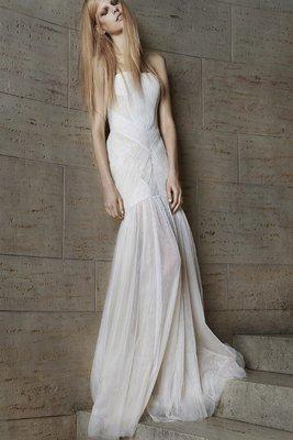 Vera_Wang_spring_2015_wedding_dresses__(9)