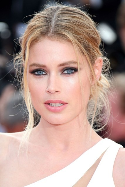 Doutzen-Kroes-beauty-Vogue-14may15-Getty_b_426x639