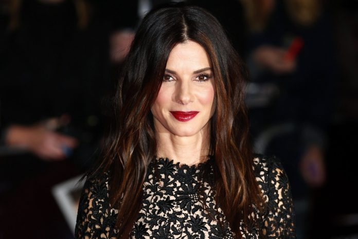 "Actress Sandra Bullock arrives at a gala screening of her film ""Gravity"" at the London Film Festival at a cinema in Leicester Square, central London, October 10, 2013. REUTERS/Andrew Winning  (BRITAIN - Tags: ENTERTAINMENT)"