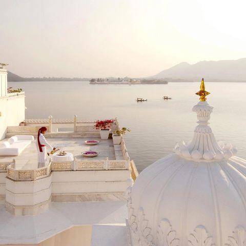 taj-lake-palace-expensive-holidays