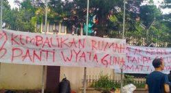 Ridwan Kamil Temui Mahasiswa Disabilitas Netra yang Diduga Diusir dari Asrama