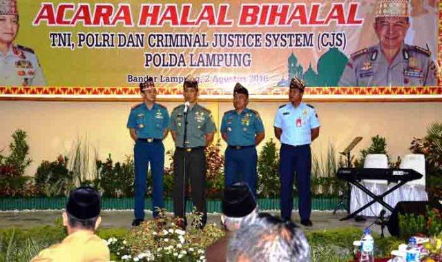Silaturahmi Polda Lampung dengan TNI.