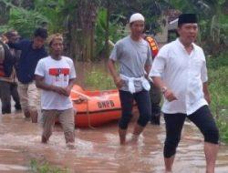 Banjir Lampung Utara, Cawabup M. Yusrizal Berikan Bantuan untuk Warga Kotaalam