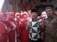 Herman HN pada acara pernikahan Briptu Dedy Andryasmoro dan Putri Anjar Suci di Desa Haji Mena, Natar, Lampung Selatan.