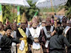 Ridho Ficardo disambut hangat masyarakat adat Sai Batin Kabupaten Pesawaran, Selasa (19/6/2018).