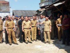 Walikota Herman HN meninjau kondisi Pasar Smep Bandarlampung, Senin,16 Juli 2018.
