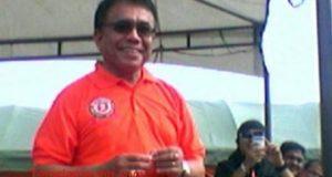 Gubernur Aceh Irwandi Yusuf saat berkampanye dalam Pilgub Aceh, awal April 2012. Pada Pilgub Aceh 2012 Irwandi kalah. Ia kemudian maju lagi sebagai Cagub ceh pada Pilgub Aceh 2017 dan menang. (Foto: Teraslampung,com/Oyos Saroso HN)