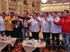 Calon Presiden Joko Widodo dan delapan ketua umum partai politik Koalisi Indonesia Kerja di rapat kerja nasional Tim Kampanye Nasional Jokowi-Ma'ruf di Surabaya, Ahad, 28 Oktober 2018. TEMPO/M Rosseno Aji