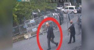 Wartawan Arab Saudi, Jamal Khashoggi (lingkar merah), saat tiba di Konsulat Jenderal Arab Saudi di Istanbul, Turki, 2 Oktober 2018. Jurnalis pengkritik, Jamal Khashoggi, diduga tewas di dalam Konsulat Jenderal Arab Saudi di Istanbul Turki. Courtesy TRT World/Handout via Reuters