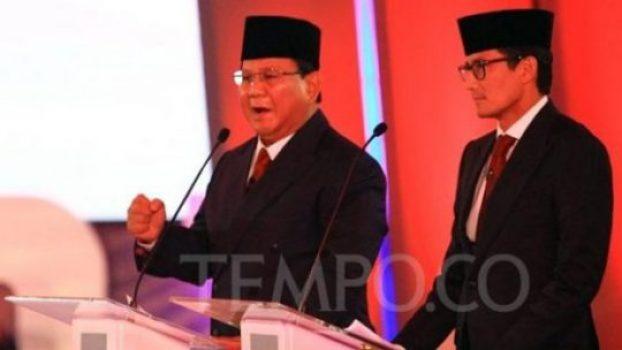 Pasangan calon presiden dan wakil presiden Prabowo Subianto - Sandiaga Uno dalam debat perdana capres-cawapres di Pilpres 2019 di Jakarta, Kamis 17 Januari 2019. TEMPO/Subekti.