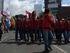Aksi May Day di Biundaran Tugu Adipura Bandarlampung, Rabu, 1 Mei 2019.