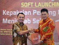 """Buku """"Kepaksian Pernong Lampung Menjawab Sejarah"""" Diluncurkan di Mahan Agung"""