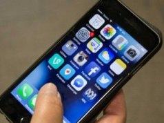 Mulai tahun 2020, ponsel harus disimpan di loker termasuk selama jam istirahat dan makan siang. (ABC: Emma Wynne)