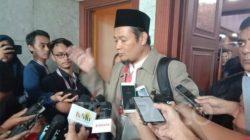 Saksi fakta dari Tim Kuasa Hukum Prabowo - Sandiaga, Agus Muhammad Maksum, berbicara kepada wartawan selepas memberikan kesaksian di Mahkamah Konstitusi, Rabu 19 Juni 2019. Tempo/ Fikri Arigi.