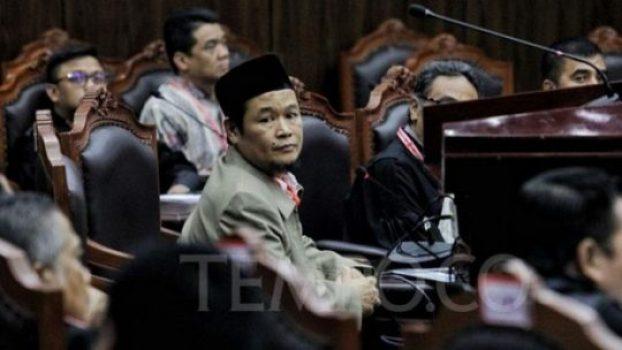 Saksi fakta dari kubu BPN, Agus Muhammad Maksum hadir saat akan memberikan keterangan dalam sidang Perselisihan Hasil Pemilihan Umum (PHPU) sengketa Pilpres 2019, di Mahkamah Konstitusi, Jakarta, Rabu, 19 Juni 2019. Agus merupakan anggota tim teknologi informasi atau IT kubu BPN Prabowo - Sandi. TEMPO/Hilman Fathurrahman W