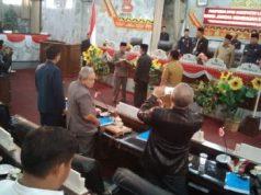 Wakil Bupati Budi Utomo menyampaikan draft Raperda RPJMD 2019-2024