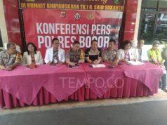 Polres Bogor, Polda Jawa Barat dan tim dokter RS Polri Kramat Jati memberikan keterangan terkait SM, tersangka penistaan agama karena bawa anjing masuk masjid, Rabu, 3 Juli 2019. Tempo/Imam Hamdi