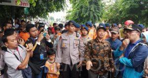Gubernur Jawa Barat Ridwan Kamil meninjau banjir di Kota Bekasi, Kamis, 2 Januari 2020. Tempo/Adi Warsono