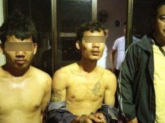 Rendi (25) dan Hambali (23), dua bandit spesialis pelaku penjambretan yang diamankan petugas Polsek Kedaton. (Foto: Humas Polsek Kedaton)