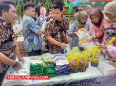 Operasi Pasar Bulog Lampung di halaman Pemkot Bandarlampung, Kamis (12/3/2020). Foto: Teraslampung.com/Dandy Ibrahim