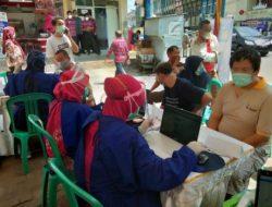 Para Pedagang Pasar Tradisional di Bandarlampung Mulai Divaksin Covid-19