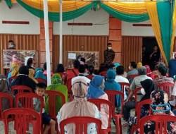 Saat Salurkan BST PT Pos Indonesia Cabang Lampura Diduga Langgar Prokes