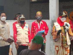 Tinjau Vaksinasi di Pulau Pasaran, Ini Janji Walikota Eva Dwiana