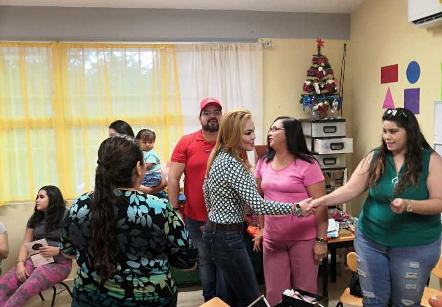 Lleva DIF  cursos a mujeres de Batamotos