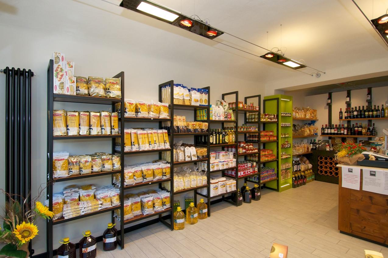 Risultati immagini per immagine factory outlet alimentari