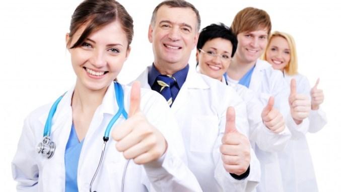 Profissionais da saúde são convocados para apresentação de documentos