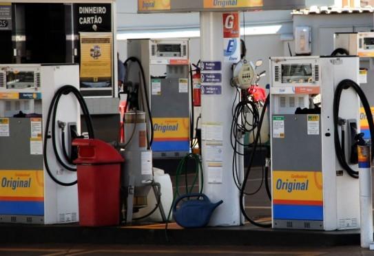 Procon Estadual notifica 56 postos de combustível a prestar informações sobre estoque e preços
