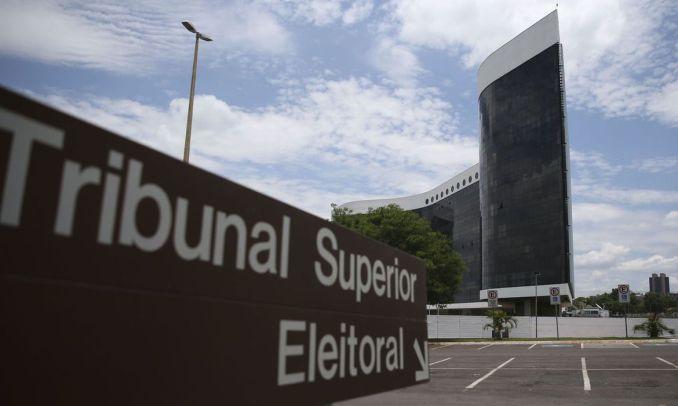 Com eleição adiada, TSE é consultado sobre prazo de Ficha Limpa