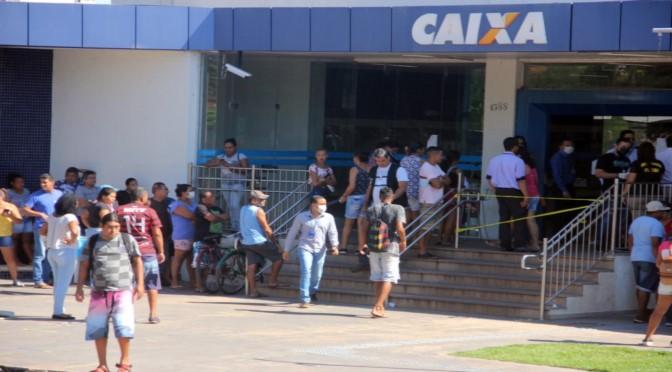Caixa abre hoje 680 agências para pagamento do auxílio emergencial