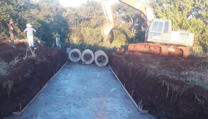 Ponta Porã: Prefeitura implanta bueiros tubulares na Itamarati