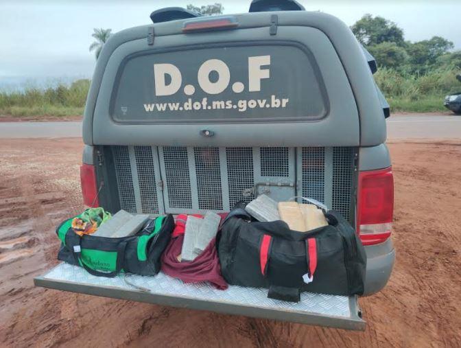 Operação Hórus: Passageiro de ônibus que seguia com maconha para Curitiba foi preso pelo DOF