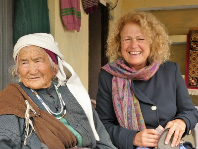 Phyllis with a local Mana Village lady, Himalayas, India