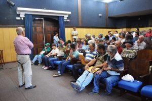Durante a reunião, os agricultores deram depoimentos sobre o trabalho realizado nas feiras 'Vem pra Roça' e 'Agroecológica'