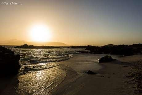 Pôr do sol majestoso em Bahía Inglesa
