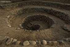 Foram construídos em forma de espiral