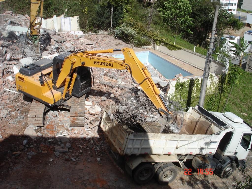 demolição mecânica