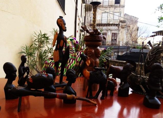 """MOSTRA """"Racconti africani nell'arte e nell'artigianato"""" (2)"""