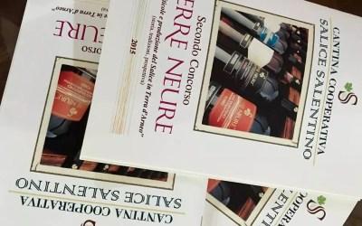 """Domenica 24 gennaio, alla Cantina Cooperativa di Salice Salentino, consegna dell'opuscolo con gli elaborati del 2° Concorso Letterario """"Terre Neure"""""""