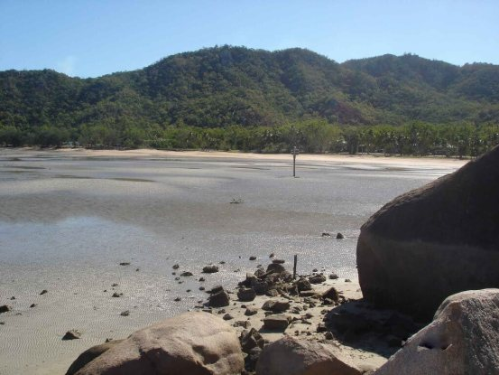 Magnetic Island - Geoffrey Bay at low tide