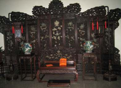 Carved-and-inlaid-Screen Traditional Chinese Resturant Beijing