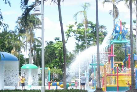 The Strand 'WaterPark' tropical Townsville North Queensland