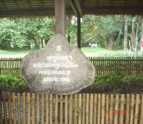 Killing fields Mass grave at Choeung Ek