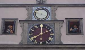 Famous clock depicts Meistertrunk Legend Gen. Tilly and Mayor Georg Nusch 1631