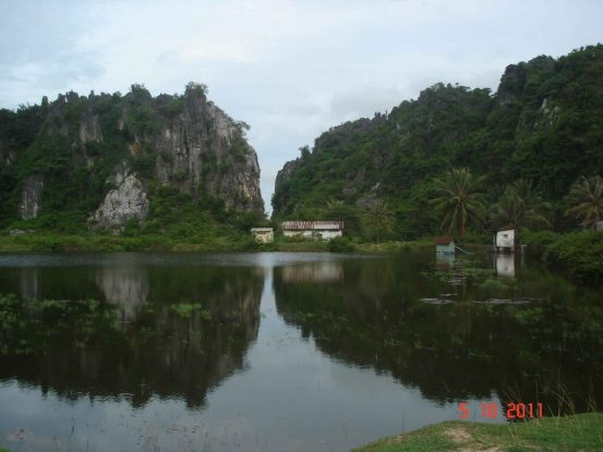 Caves -small-picturesque-lake near caves at Kampong Trach - Kampot
