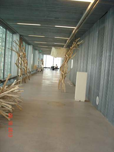Uni-Design-Hub-Long-Room--P